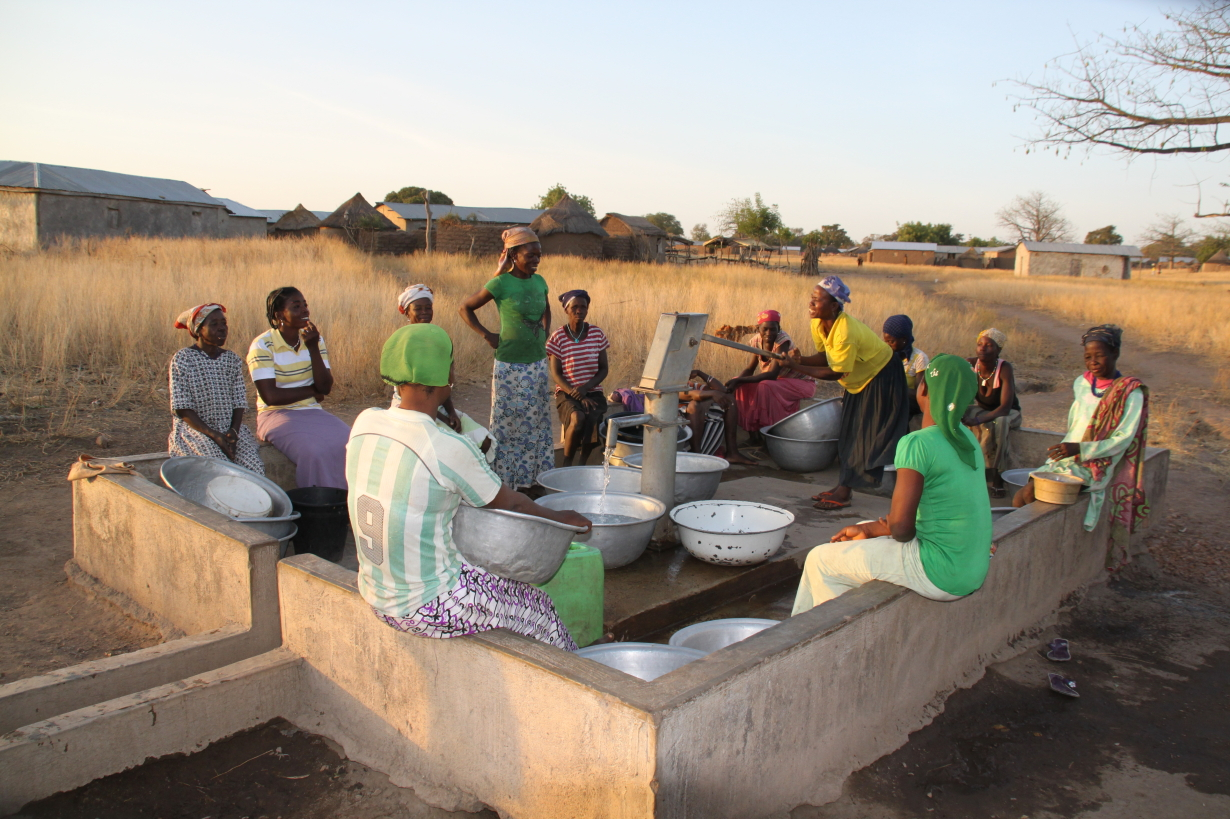 Bezoek Yikpa en andere dorpen jan. 2012 038